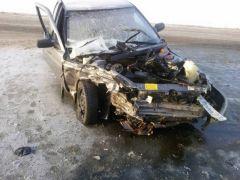 В Чувашии на автодороге «Цивильск-Ульяновск» столкнулись две легковушки