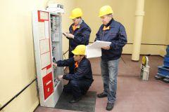 """""""Мозг"""" лифта расположен в отдельном помещении, работа с ним требует высочайшей квалификации. ООО """"Новлифт"""": Ехать лучше, чем идти ООО """"Новлифт"""" Новлифт лифт"""