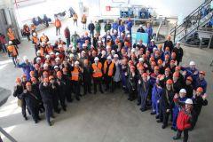 Дружный коллектив на открытии производстваВ Новочебоксарске открыли комплекс по производству гипохлорита кальция Химпром производство