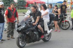 Прокатиться с байкерами мог любой желающий.  Фото Марка КолеговаСОК: стремись  отдыхать культурно! молодежный фестиваль СОК