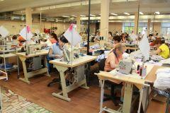 Качественные рубашки — результат коллективного труда.Одевающие мужчин Человек труда 10 июня — День работников легкой и текстильной промышленности