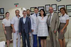 """Господин Клаус Раухветте (2-й справа) на многообещающей встрече с персоналом """"Алан Клиник""""Визит немецкого инвестора в Чувашию. Большие планы на будущее частная клиника медицина в Чувашии Алан Клиник"""