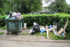 Ул. Комсомольская, 12Дворы снова утонут в мусоре? Среда обитания Из ряда вон