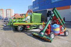 На открытой площадке выставочного комплекса были продемонстрированы образцы сельскохозяйственной и грузовой техники.Картофельный Манифест легко выращивать Хлеб насущный Картофель-2018