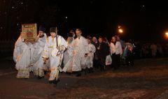 Крестный ход вокруг храма.Праздников праздник  и торжество торжеств Пасха
