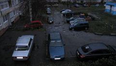 Собственники МКД не могут запретить друг другу парковаться во дворе. Паркуйся по закону парковка