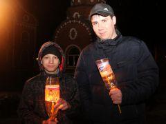 Алексей (справа) с крестником ПавломПраздников праздник  и торжество торжеств Пасха