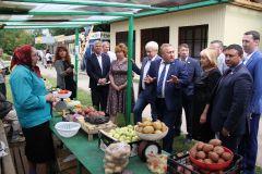 Депутаты интересуются, чего не хватает и чем помочь.Мини-рынок без базара мини-рынки