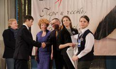 Начжуры-победители получили напутствие экспертов и приглашенных гостей конкурса.Талант и творчество едины Школа-пресс-2017