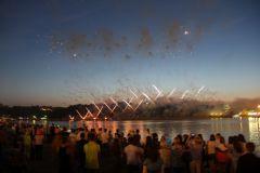 IMG_1999.JPGФеерия огня и музыки Салют Международный фестиваль фейерверков День Республики-2015