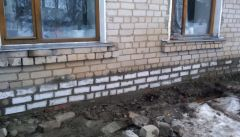 Стена восстановленаВ Ядрине восстановили обрушившуюся стену жилого дома