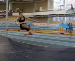 В прыжках в высоту среди девочек пробовали свои силы шесть легкоатлеток, а из мальчиков покорял планку лишь один спортсмен.Победители родом из детства Спорт - норма жизни легкая атлетика