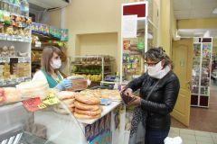 В магазинах Новочебоксарска цена на хлеб остается стабильной. Фото Максима БОБРОВАОлег Николаев: Повышения цен на хлеб допускать нельзя хлеб