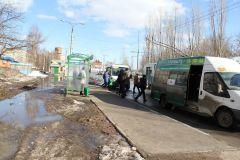 """1 апреля, остановка """"Иваново"""". Фото Максима БоброваНу и что вам здесь не нравится? Хватит погибать на дорогах!"""