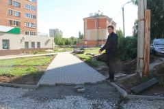 Так в сквере в Юраковском микрорайоне будут выглядеть дорожки, вымощенные брусчаткой.Три пространства для горожан Комфортная среда Национальный проект