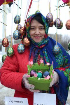 ...и крашеными яйцами.Пасха на столе — радость в семье Пасха