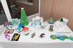 На «Химпроме» открылась выставка новогодних поделок Химпром