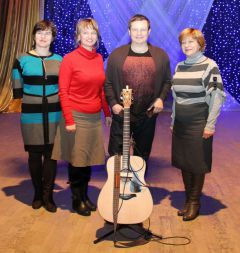 IMG_4258_cr.jpgСледующую песню  посвящу Новочебоксарску Павел Усанов Любэ