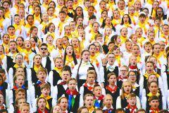 В сводном детском хоре России и Чувашии — 1000 лучших голосов. Фото Максима ИВАНОВАСлавься, Русь моя! Хвала тебе, Чувашия! День Республики-2017