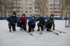 Хоккейная коробка во дворе дома № 26 по ул. 10-й пятилетки.И румянил щеки легкий мороз Новый год-2021