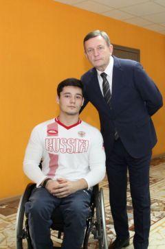 Дмитрий Степанов и и.о. министра спорта Михаил Богаратов.Борьба была упорной