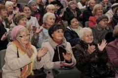 На «Химпроме» поздравили ветеранов с Днем пожилого человека Химпром