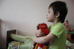 В больницеДед Мороз и Снегурочка в Новочебоксарской детской больнице Дети Дед Мороз Грани Акция