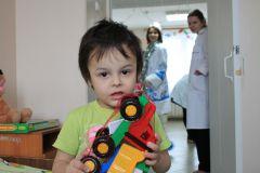 """Фото автораДед Мороз идет в больницу Акция """"Граней"""""""