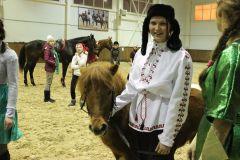"""IMG_5660.JPGНа манеже - \""""Волк и семеро козлят\"""" представление Новый год-2015 конно-спортивная школа выходной"""