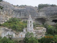Свято-Успенский мужской монастырь в Бахчисарае. Один из храмов.Южный берег Крыма: от Алушты до Фороса Колесо путешествий
