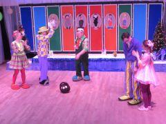 """И куклы умеют любить. Однажды  в """"Магазине клоунов"""" Мим-театр «Дождь»"""
