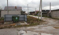 Начало октября. Контейнер по ул. Петинской.  Мусорная реформа  добралась и до Ольдеево мусорная реформа