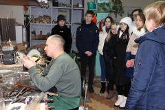 Мастерскую научно-исследовательского центра ПАО «Химпром» посетили студенты НХМТ Химпром
