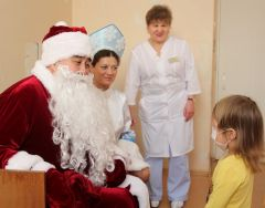 Дед Мороз снова идет в больницу Акция