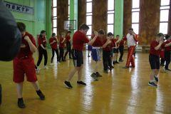 В этом зале готовят боксеров. Занимаются и девочки. Фото Максима БОБРОВАБольшой ремонт в спорткомплексе Реализация нацпроектов