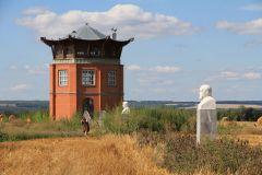 Пагода и аллея братьев Таланцевых построена хранителем истории Леонидом Беловым.Место силы – земля ядринская Ядрин Тропой туриста Неизвестная Чувашия