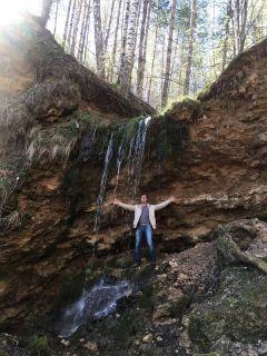 Самый крупный водопад в Чувашии имеет высоту 5,5 м. По словам географа Ивана Дубанова, известковые отложения будут размываться, а это приведет к исчезновению водопада.Бежит ручей водопадом в Волгу Неизвестная Чувашия Колесо путешествий