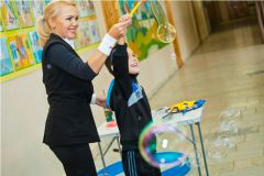 IMG_8711.jpg«Ростелеком» подарил детям праздник мыльных пузырей Филиал в Чувашской Республике ПАО «Ростелеком» День учителя