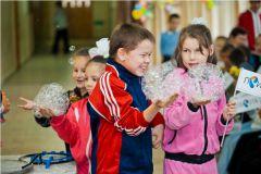 IMG_8827.jpg«Ростелеком» подарил детям праздник мыльных пузырей Филиал в Чувашской Республике ПАО «Ростелеком» День учителя