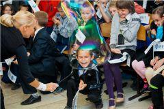 IMG_8841.jpg«Ростелеком» подарил детям праздник мыльных пузырей Филиал в Чувашской Республике ПАО «Ростелеком» День учителя