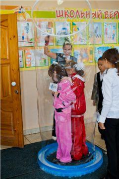 IMG_9026.jpg«Ростелеком» подарил детям праздник мыльных пузырей Филиал в Чувашской Республике ПАО «Ростелеком» День учителя