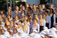 Сводный детский хор Чувашии объединил более 1000 талантливых ребят от 9 до 14 лет.Браво, детский хор Чувашии! сводный детский хор День Республики-2018