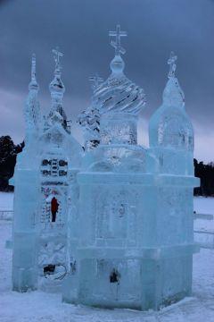 Этот храм выпилен из стокилограммовых глыб льда Раифского озера.На Крещение в Раифу Путешествуем по России Колесо путешествий