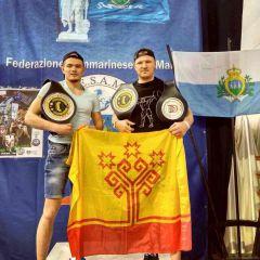 Бойцы на загляденье. Фото Юрия Руманова Из любителей  в профессионалы единоборства