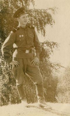 Ефрейтор Сергей Егоров перед увольнением в запас. Фото из личного альбома С.ЕгороваЦентрифуга оставила без неба