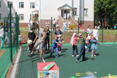 Игры на площадкеЧебоксарская ГЭС открыла спортплощадку в детском отделении противотуберкулезного диспансера РусГидро