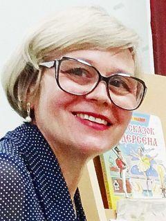 Елена Краева, завсектором по массовой работе библиотеки им. Ю.ГагаринаСказки лечат и сближают Успех каждого ребенка Дошколенок