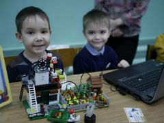 Маленькие инженеры готовы к большим свершениям. Инженеры с детства робототехника Kulibin.club