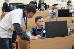 """Маленькие изобретатели под руководством опытного наставника готовятся к соревнованию """"Чертежник"""".В пять лет — инженер Цифровая Чувашия робототехника"""