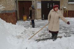Новочебоксарск завалило снегом: дворники не справляются Капризы погоды